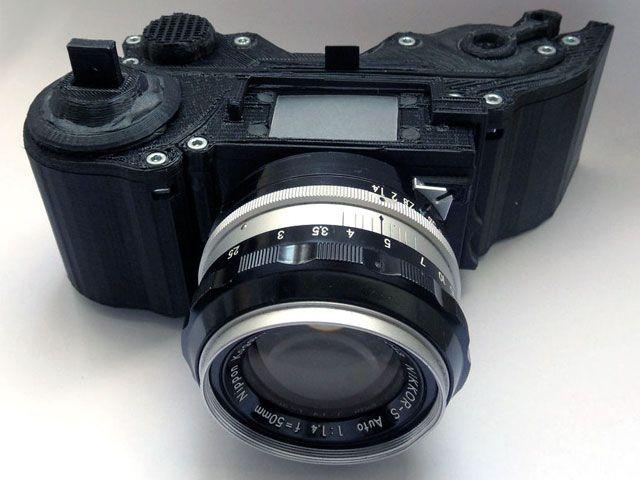 Fotocamera 35mm realizzata con la stampa in 3D