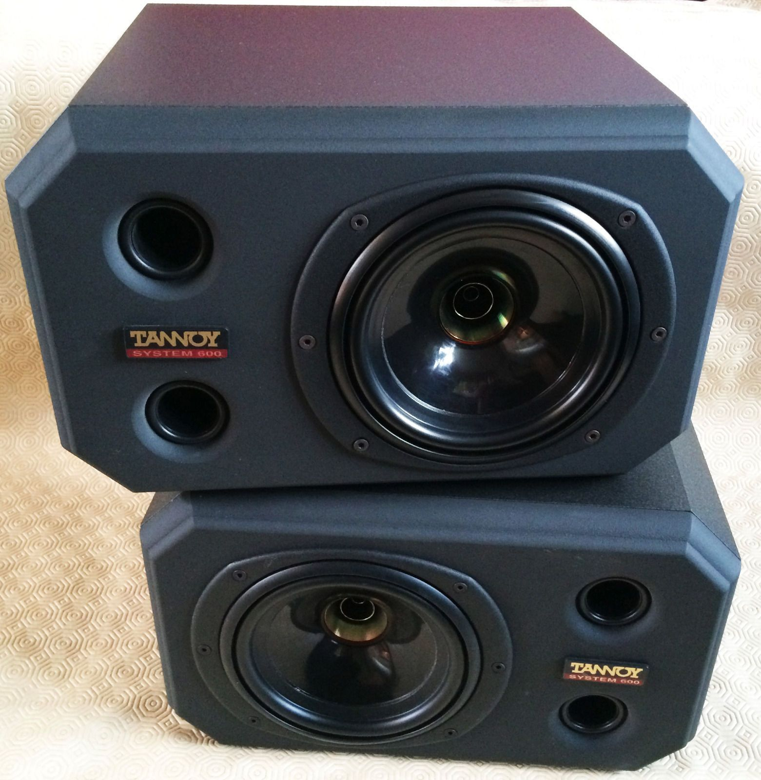 Tannoy System 600